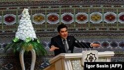 Президент Туркменистана Гурбангулы Бердымухамедов. Архивное фото.