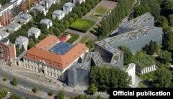 Еврейский музей в Берлине. Архитектор Дэниел Либескинд