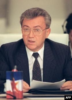 "Boro Jović (na fotografiji iz 1990) mi je rekao: ""Niti želimo Srbe, niti želimo hrvatski teritorij. Mi želimo 63 odsto Bosne i Hercegovine, to je bilo srpsko, to je srpsko i to srpsko mora ostati""."