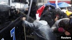 صحنهای از سرکوبهای پیشین در آنکارا علیه معترضان به یک لایحه آموزشی