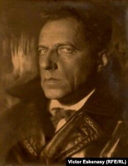 Moisei Nappelbaum, Regizorul de teatru Vsevolod Meyerhold (col. Alex Lachmann, Londra)