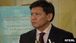 Қазақстан президентінің саяси мәселелер жөніндегі кеңесшісі Ермұхамет Ертісбаев.