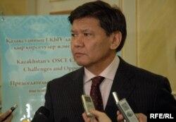 Қазақстан президентінің саяси кеңесшісі Ермұхамет Ертісбаев.