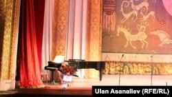Театр оперы и балета в Бишкеке. Иллюстративное фото.