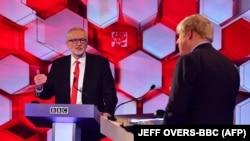 Джонсън и Корбин по време на дебата