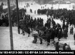 Люты 1942 году, кірмаш у Менску