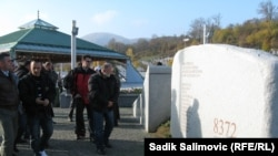 Ratni veterani iz Srbije i BiH u Potočarima, novembar 2012.