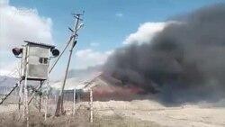 В Тогуз-Торо местные подожгли несколько зданий и закидали камнями милиционеров