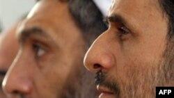وزیر سابق کشور با انتقاد از محمود احمدی نژاد می گوید که وی تاب انتقاد را ندارد.(عکس: AFP)