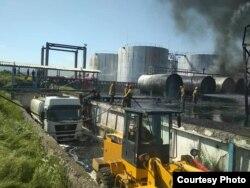 Нефтебаза в Джалал-Абаде после пожара.