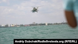 Мі-8 над морем біля Одеси