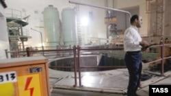 به رغم گذشت ۳۰ سال از آغاز ساخت نیروگاه بوشهر، این راکتور هسته ای هنوز به مرحله بهره برداری نرسیده است.