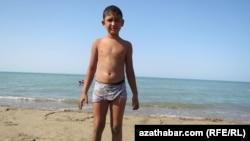 Hazaryň kenarynda