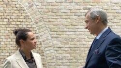 Латушка заклікаў Ціханоўскую ўступіць у пасаду прэзыдэнта