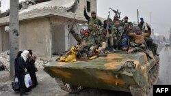 Сирийская армия вошла в жилые кварталы в Восточном Алеппо.