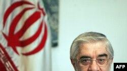 میرحسین موسوی نامزد اصلاحطلب انتخابات دهم