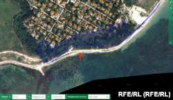 Според кадастралната карта тази гора е вода. Плажната ивица пред имота не е отразена на картата. Източник: Агенция по кадастъра