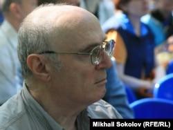 Павел Литвинов