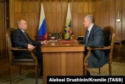 Владимир Путин встречается с Сергеем Аксеновым в Симферополе в августе 2019 года