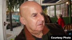 Писатель Пьер Гийота