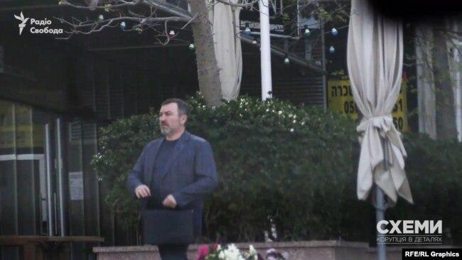12 квітня депутат Шипко знову прийшов до будівлі, де розташовується офіс Коломойського