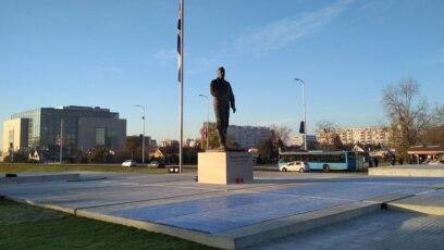 Spomenik Franji Tuđmanu u Zagrebu