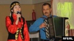 София Кәримова һәм Ринат Асадуллин