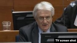 Radovan Karadžić na suđenju u Hagu