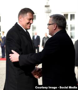 Președintele Klaus Iohannis și omologul său Bronislaw Komorowski