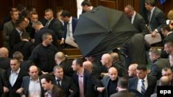 Foto nga seanca e fundit në Kuvend.