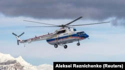 The Mi-8 helicopter had been taking mountaineers to Ismoili Somoni Peak, the highest in the former Soviet Union. (file photo)