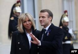 Президент Франції Емманюель Макрон із дружиною Бріджит. Париж, 11 листопада 2018 року