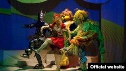 """Театарската претстава """"Волшебникот од Оз"""" на Театарот за деца и младинци во Скопје."""