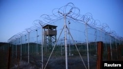 The White House has acknowledged that its goal of closing the military prison at Guantanamo Bay would not be met before the end of the Obama administration on January 20.