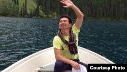 Теңге девальвациясынан кейін Грузияға барып келген Біржан Нұрқаев. Фото оның жеке мұрағатынан алынды.