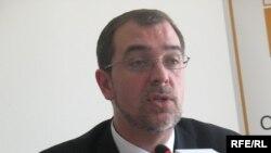 Кристофер Каванау, «Бота» қайырымдылық қорының атқарушы директоры. Алматы, 19 мамыр, 2009 жыл.