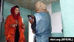 Avganistanska Nezavisna izborna komisija insistira da biometrijski sistem neće nikome ugroziti privatnost i da vodi računa o verskim običajima.
