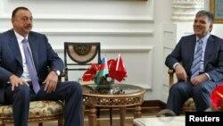 Встреча президентов Турции (справа) и Азербайджана, Стамбул, 7 июня 2010 г.
