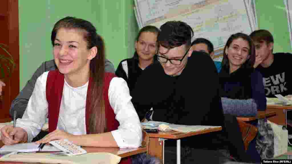 """La Liceul """"Ştefan cel Mare"""" din Grigoriopol.Ariadna Pricinoc"""