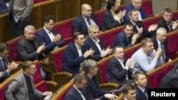 Украинские депутаты голосуют за признание России страной-агрессором