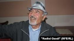Бозори Собир дар рӯзи бозгашташ дар фурудгоҳи Душанбе