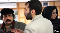 مسعود دهنمکی، کارگردان ایرانی (وسط).