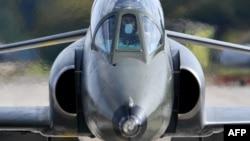 Pamje e aeroplanit ushtarak të Serbisë Super Galeb G-4