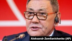 Gafur Rakhimov says he is stepping aside as chief of amateur boxing's world governing body. (file photo)