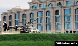 При отеле даже есть вертолетная площадка