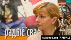 Ирина Халип, жена политзаключенного Андрея Санникова, во время онлайн-конференции в Белорусской редакции радио Азаттык. Минск, 27 января 2012 года.