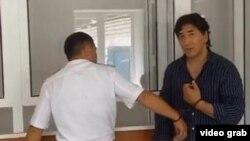 Бизнесмен Барлык Мендыгазиев в зале суда. Западно-Казахстанская область, 22 июля 2013 года.