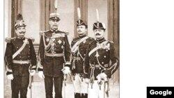 Ofițeri din armata română într-o fotografie de epocă