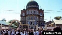 Мечеть на улице Котрова в Махачкале год с лишним является объектом раздора