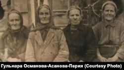 Джумазе Перия с сестрами
